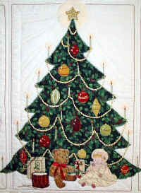 Christmas Tree.JPG (110372 bytes)